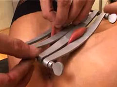 Cutting of labia