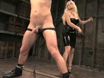 Mistress Aiden strapon sub